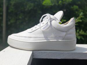 tweedehands sneakers